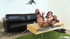 Big ass Bonnie Rotten wears sexy black fishnets moves her anal muscles