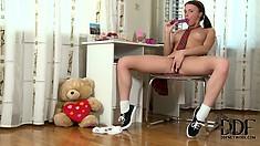 Precious European chick Zoya shows you intricate ways of cumming
