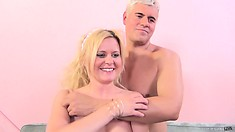 Kelly finishes him off with her lips and happily takes his warm juices in her mouth