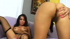 Hot Mommy Likes To Watch Daughter Stuffed With Hard Meat