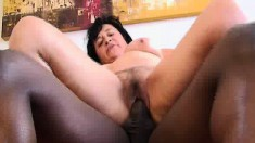 Lustful mature woman Nubia knows her way around a big black stick