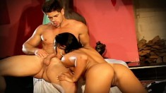 Ripped Stallion Gets His Massive Boner Sucked By This Gorgeous Chick