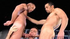 Dark-haired Cocksucking Hunk Spreads His Legs To Take Fists And Dicks In His Ass
