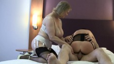 Amateur mature blonde in threesome