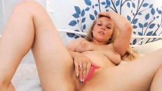 Gorgeous blonde knows how to ride a cock